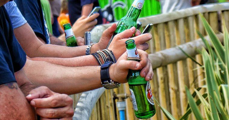Ingen festival uden et drikkespil!