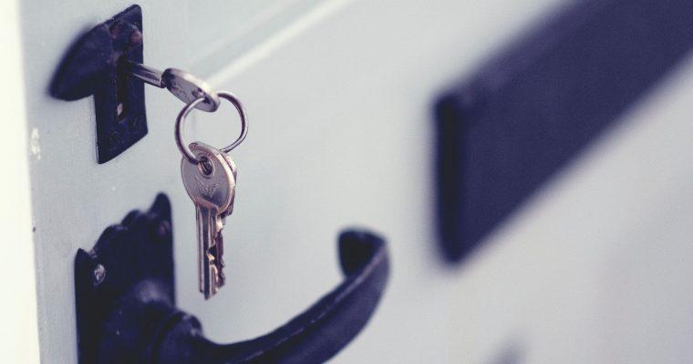 Hold styr på nøglerne med et praktisk nøgleskab